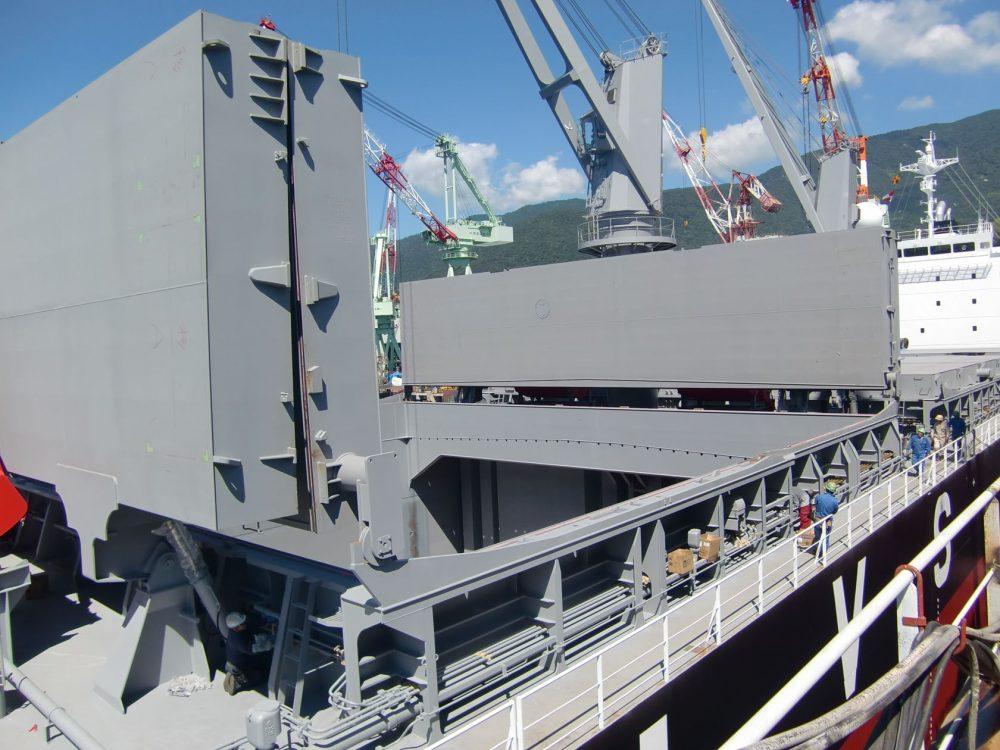 船舶貨物輸送における荷役の効率化を支える装置メーカー